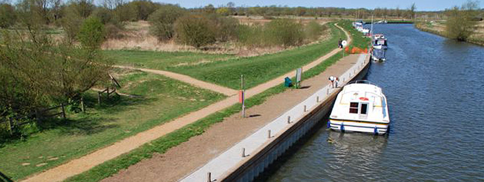 River Mooring construction, maintenance and river bank piling contractors